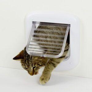 Bela vrata za mačke